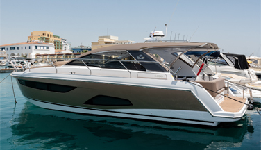 Sealine S330 S.Coupe / 2015